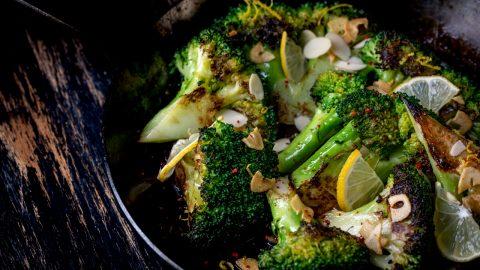Brokkoli mit Chili-Knoblauch