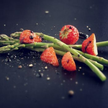 Erdbeer Spargel Salat