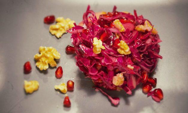 Rotkrautsalat mit Granatapfel und Walnuss