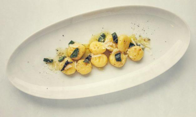 Gnocchi mit Salbei-Haselnussbutter