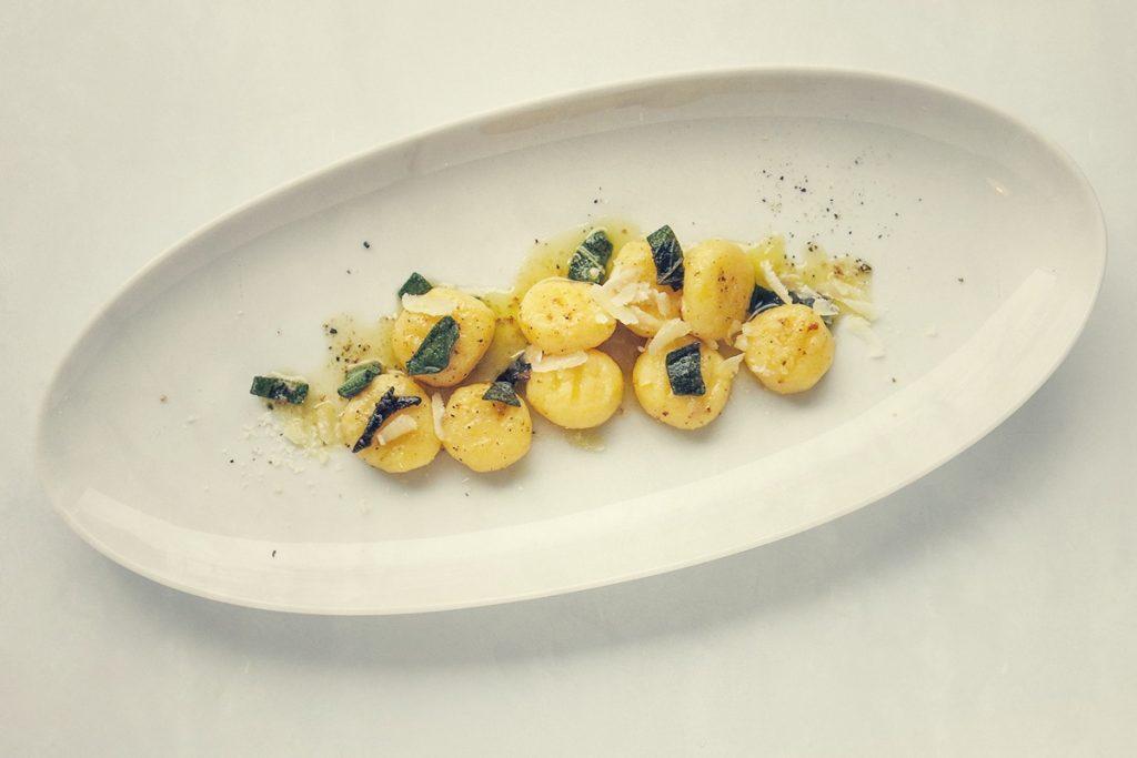 Gnocchi mit Salbeibutter und Parmesan