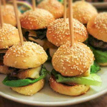 mini burger 350x350 - Nektarinen – Curry – Chutney