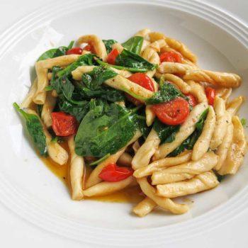 Strozzapreti Tomate Spinat 350x350 - Nudelteig (Grundrezept)