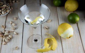 Martini mit Zitrone