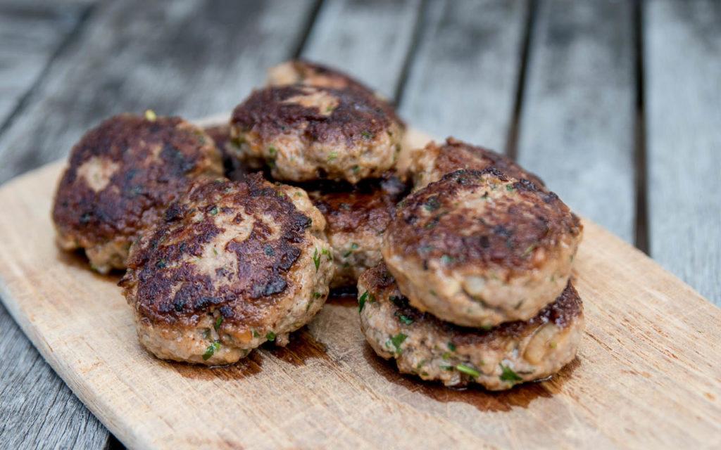 Fleischpflanzerl nach bayrischem Originalrezept