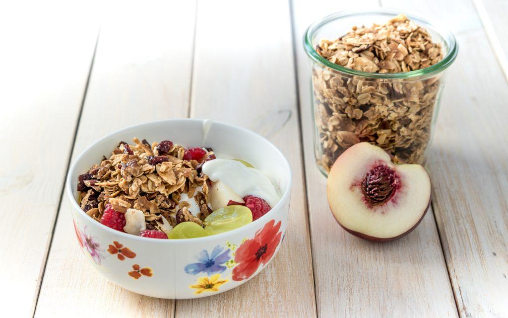 granola 1 - Granola mit Mandeln und Kokos