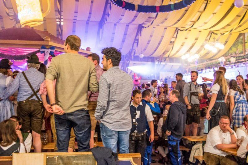 burgis wiesn 6 802x534 - Oktoberfest - Hinter den Kulissen mit Burgis