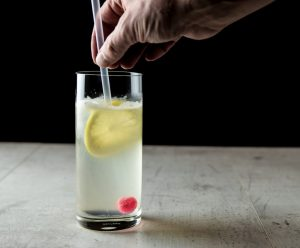 """tom collin gin cocktail 2 300x248 - Wer bitte ist dieser """"Tom Collins""""?"""