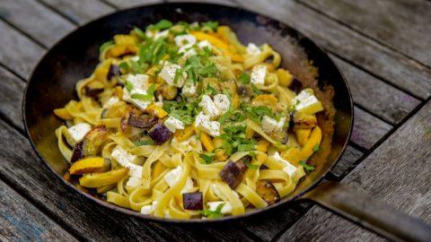 zucchini auberginen pasta 480x270 - Auberginen Zucchini Pasta mit Schafskäse
