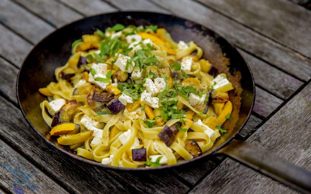 zucchini auberginen pasta - Auberginen Zucchini Pasta mit Schafskäse