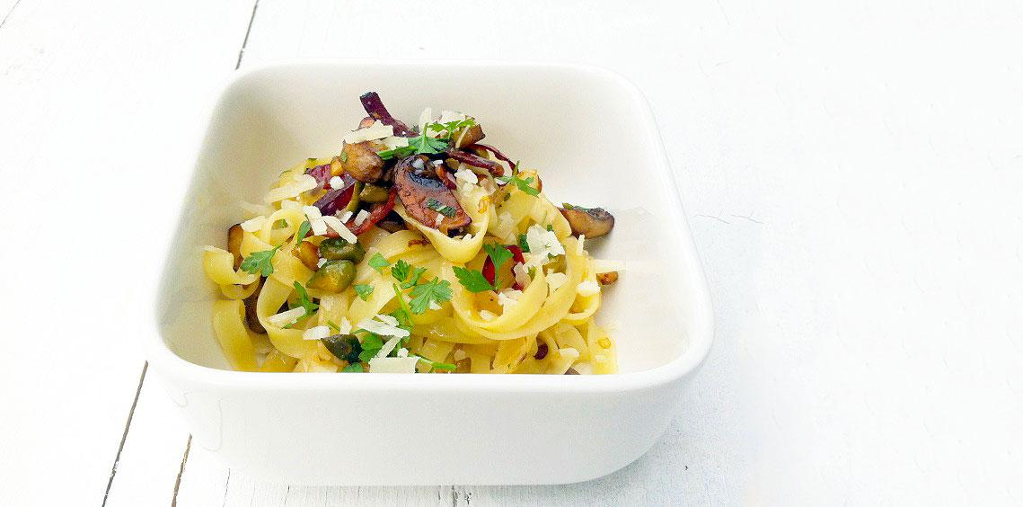 speck salbei pistazien nudeln - Tagliatelle mit Pilzen, Speck, Salbei und Pistazien