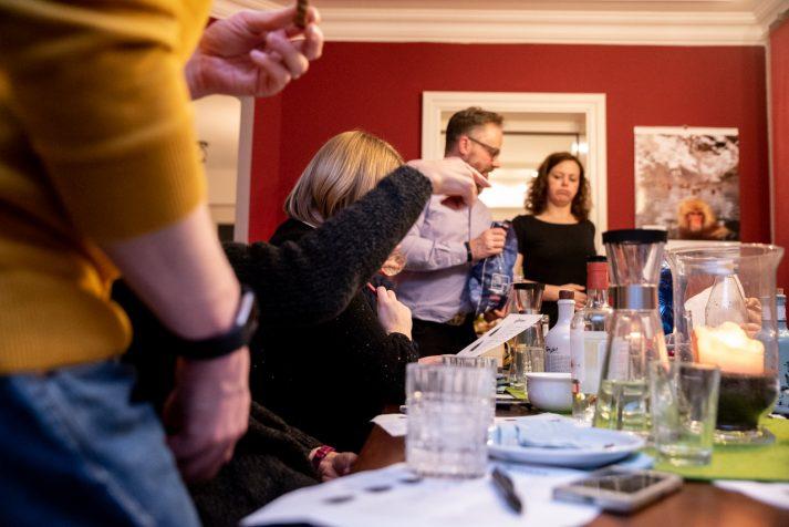weihnachts gin tasting 37 713x476 - Nicht immer ist teuer gut