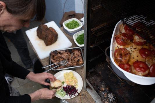 190525 Gartenparty 0166 533x356 - Wie man entspannt eine Grillparty organisiert