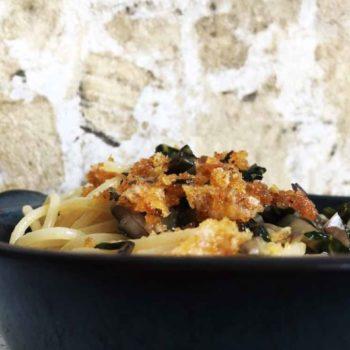 Nudeln Mangold Parmesan Broesel vegetarisch Pasta 1 350x350 - Spaghetti mit Avocado-Spinat-Pesto