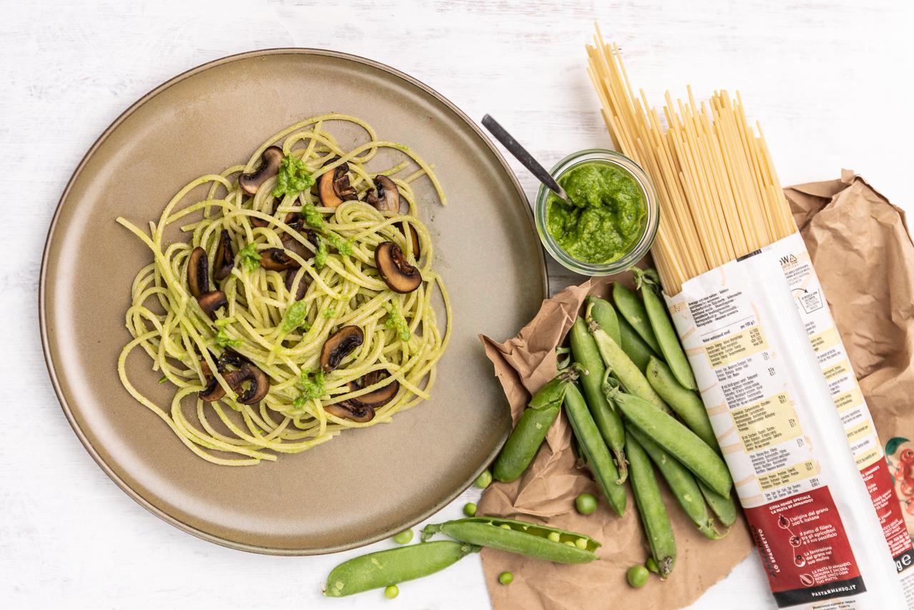 190825 erbsenpesto 6713 - Pasta mit Erbsenpesto und Pilzen