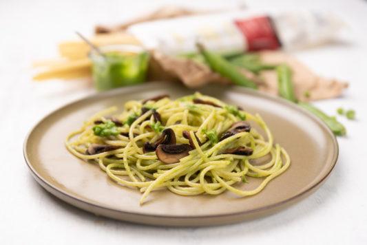 190825 erbsenpesto 6721 533x356 - Pasta mit Erbsenpesto und Pilzen